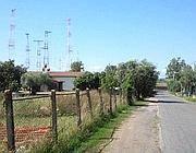 Via Signorelli e, sullo sfondo, le antenne di Radio Vaticana