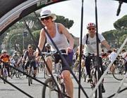 Un momento del raduno #salvaciclisti del 28 aprile