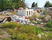 Un campo rom abusivo ai margini di La Barbuta