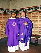 Monsignor Pietro Vergari (a destra)