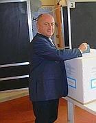 Il sindaco Nicola Ottaviani alle ultime elezioni amministrative (Ansa)