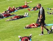 Un momento del duro allenamento imposto ai giallorossi (Mancini)