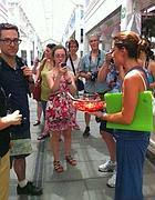 Un momento del giro turistico al nuovo mercato di Testaccio