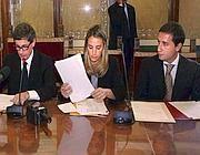 Piccolo (a destra) con Alemanno e Belviso (Imago)