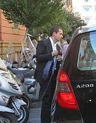 Samuele Piccolo    sotto lo studio del suo avvocato (Jpeg)