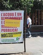 Manifesto con la privatizzazione di Acea (Foto Jpeg)