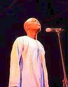 Il cantante e attivista senegalese Badara Seck