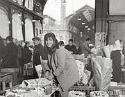 Robert Doisneau, «La marchande de fleurs» (Ansa)