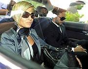 Samantha Reali arriva all' interrogatorio (Ansa)