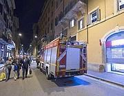 L'intervento dei vigili del fuoco martedì sera in via del Corso (Jpeg)