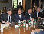 Un incontro fra il sindaco Gianni Alemanno e i sindacati Ama (Jpeg)