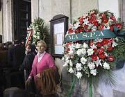 La corona di Ama Spa ai funerali di Rauti (Eidon)