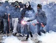 Tensione davanti allo stadio Olimpico (Ansa)
