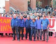 Operai dell'Innse e operatori di Almaviva sul red carpet (Jpeg)