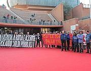 La protesta degli operai al Film Fest sabato (Jpeg)