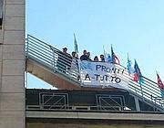 Lavoratori sul tetto dell'Idi a Roma, da 4 notti (Jpeg)