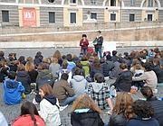 Studenti del Tasso fanno lezione in piazza del Popolo (Jpeg)