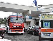 Pompieri e ambulanze  davanti all'Agenzia (Proto)