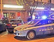 La polizia davanti alla filiale (Proto)