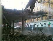 Le ruspe nella piazza del mercato durante la demolizione in gennaio