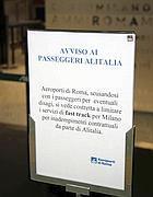 Il cartello esposto da Adr a Fiumicino