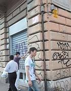 Un negozio chiuso al'Eqsuilino (Jpeg)