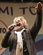 Grillo in piazza San Giovanni (Reuters)