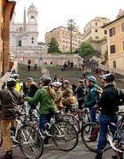 Biciclette in piazza di Spagna