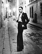 La strada di casa di Helmut Newton a Parigi
