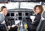 Il volo delle donne -  Due aerei Airbus A-320 in partenza da Roma per Milano e viceversa con piloti e assistenti di volo tutti al femminile: con questa particolare iniziativa la compagnia Alitalia festeggia l'8 marzo, Giornata Internazionale della Donna (Ansa)