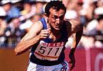 Il saluto al campione - Si aprirà nel pomeriggio al Coni la camera ardente per l'addio a Pietro Mennea, morto a 61 anni, uan leggenda dell'atletica italiana. Ai Giochi di Monaco del 1972 il suo debutto olimpico, conquistando il bronzo sui 200 metri alle spalle del russo Borzov e dell'americano Larry Black. Nel 1979, alle Universiadi di Città del Messico, Mennea fu artefice di una prestazione straordinaria aggiudicandosi i 200 metri con il tempo di 19«72, record mondiale in altura rimasto imbattuto per oltre 16 anni. Alle Olimpiadi di Mosca del 1980 vinse l'oro sui 200 metri ed il bronzo nella staffetta 4x100 metri.  Campione di longevità, il velocista prese parte anche ai Giochi del 1984 e del 1988 dove fu il portabandiera della squadra azzurra. Il Presidente del Coni, Giovanni  Malagò ha invitato le Federazioni Sportive Nazionali, le Discipline  Sportive Associate e gli Enti di Promozione Sportiva a far osservare  un minuto di silenzio in occasione di tutte le manifestazioni  sportive, che si disputeranno in Italia da oggi e per tutto il fine  settimana, per la scomparsa del campione olimpico Pietro Mennea. In  memoria dell'olimpionico è stata disposta infine, l'esposizione della bandiera tricolore - listata a lutto - a mezz'asta. (Lapresse)