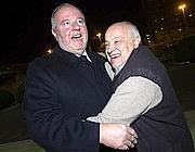 Mancini abbraccia Franco Panzironi (foto Jpeg)