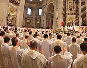 I sacerdoti in San Pietro (Reuters)
