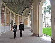 I carabinieri a Villa Giulia dopo il furto (Proto)