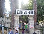 Una protesta ad Affile contro il sacrario