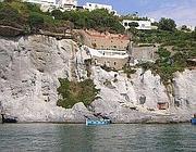 La casa di Bruno Vespa sulle rocce di Ponza