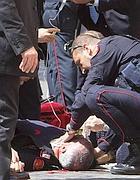 Il carabiniere ferito (Ansa)