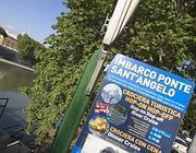 Il cartello che indica il servizio, ora fermo, a ponte Sant'Angelo (Jpeg)