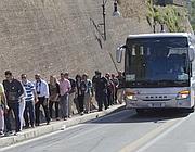 Bus turistici scaricano pellegrini al Gianicolo