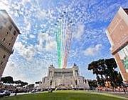 Le Frecce Tricolori in volo sul Vittoriano durante la parata del 2012 (Jpeg)