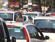 Taxi a Roma (Imagoeconomica)