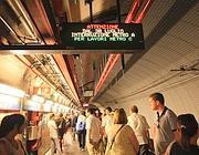 Attesa del treno nel metrò a Termini (foto Proto)