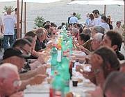 Aggiungi un posto a tavola in piazza cena dei poveri nel cuore di roma corriere roma - Aggiungi un posto a tavola 13 ottobre ...