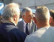 Il vicesindaco Nieri incontra i manifestanti in piazza