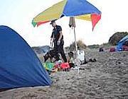 Il blitz dei carabinieri fra le dune di Capocotta (Faraglia)