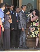 Una malata di Sla tenta di entrare alla Camera (LaPresse)