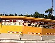 Metro C, la protesta degli operai sul cantiere del Celio (foto Zanini)