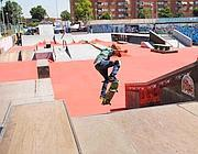 Un ragazzo si allena nello skate park di Ostia prima del sequestro (Faraglia)