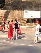 Finti centurioni a 50 metri dall'Arco di Costantino il 15 agosto (Zanini)