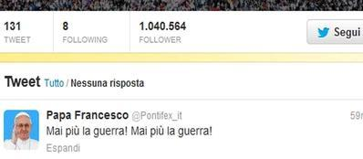 Il tweet di Papa Francesco contro la guerra (Ansa)